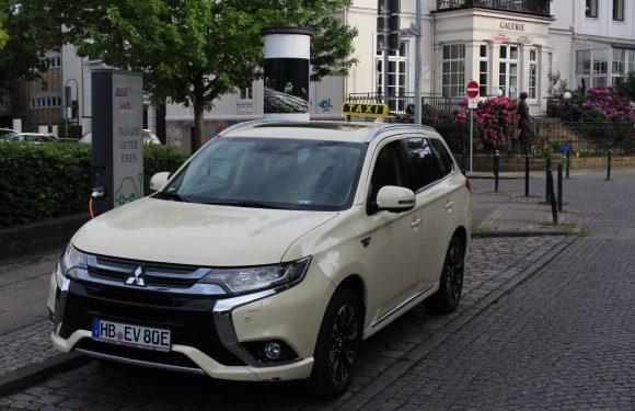 2. Umwelt Taxi: Mitsubishi Hybrid Plugin